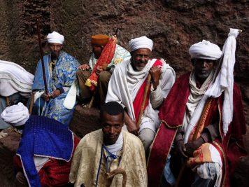 Vor der Berg Sinai Kirche, Lalibela, Äthiopien